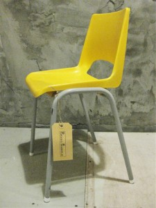 Vintage kinderstoeltje geel 3