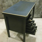vintage stalen bureau 1