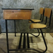 Vintage schoolbankje Belgie 3